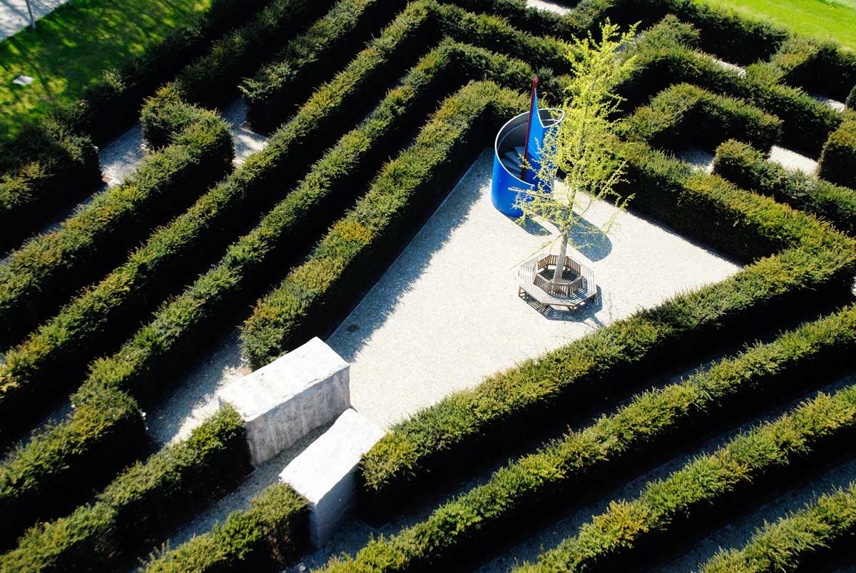 Maze-and-Labyrinth-00