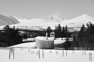 Fra Strømbu hovedrasteplass, Nasjonal Turistveg Rondane. Arkitekt: Carl-Viggo Hølmebakk.  ©Foto: Jarle Wæhler / Statens vegvesen