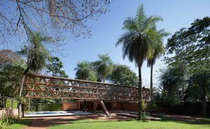 gabinete-de-arquitectura-quincho-tia-coral-asuncion-paraguay-designboom-02