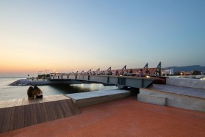027-Bostanli-Footbridge-Sunset-Lounge-960x640