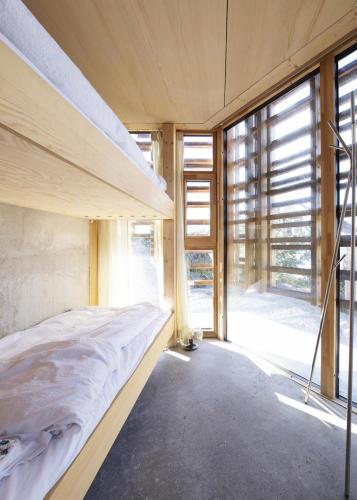 12-house-on-an-island-by-atelier-oslo